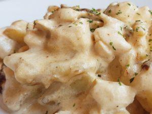 ñoquis con salsa blanca